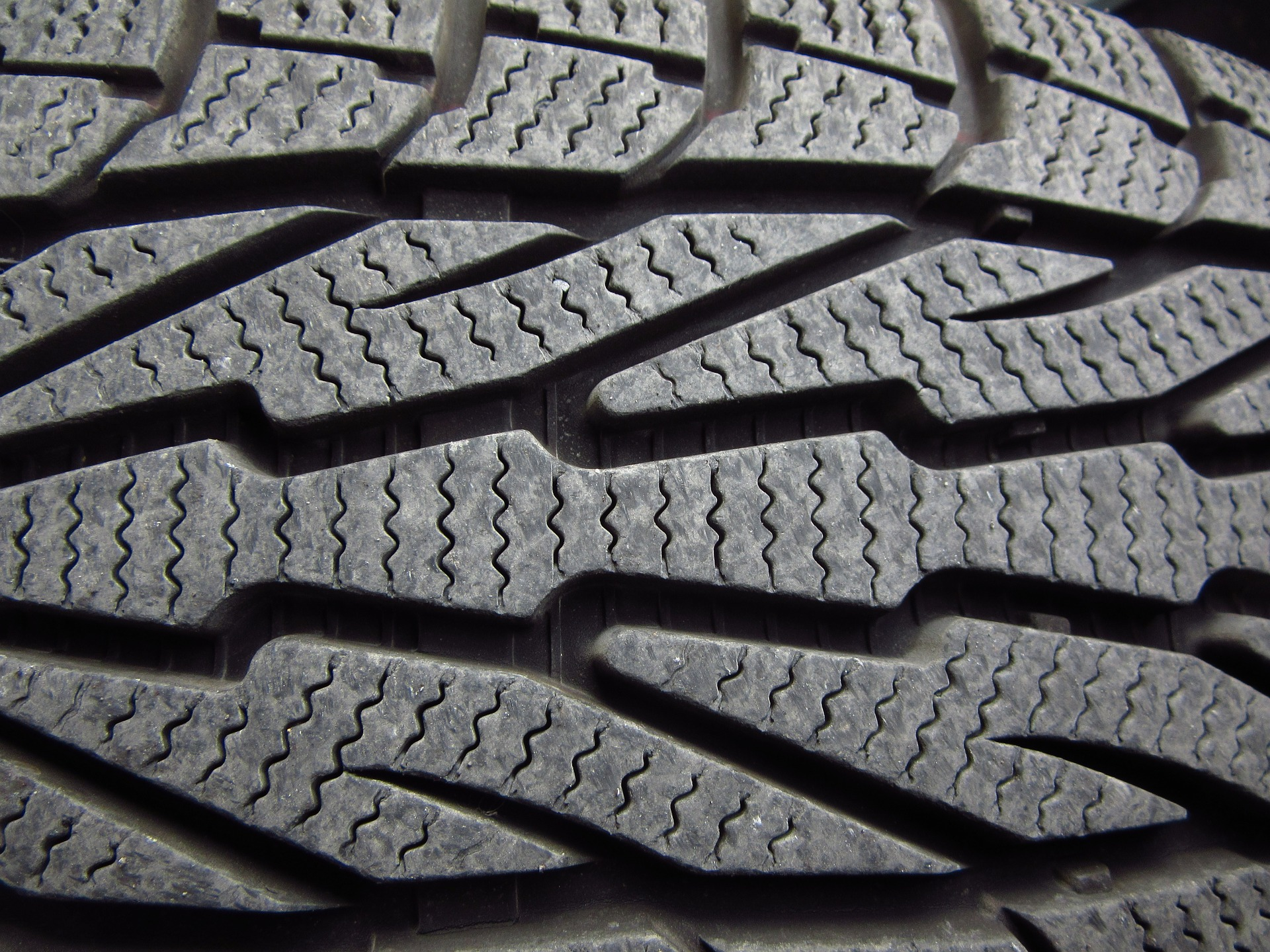 Fleet Managers: Are You Prepared for Safer Winter Tyres?